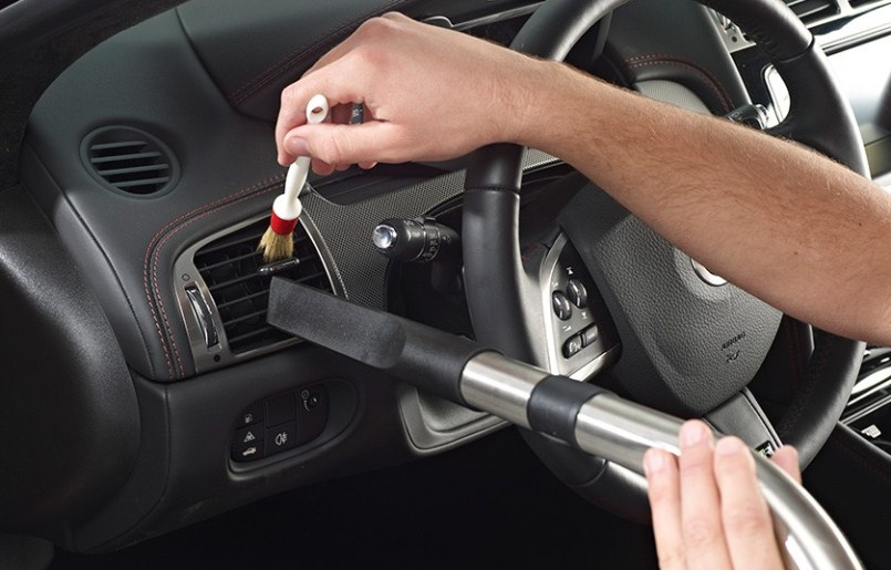 Cara Mencuci bagian dalam mobil cara mencuci mobil agar mengkilap Cara Mencuci Mobil Agar Mengkilap Tanpa Harus ke Car Wash Cara Mencuci bagian dalam mobil