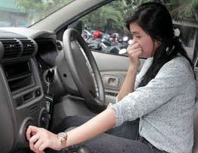 Lacak sumber bau cara menghilangkan bau di kabin Cara Menghilangkan Bau di Kabin Mobil Dengan Mudah Lacak sumber bau