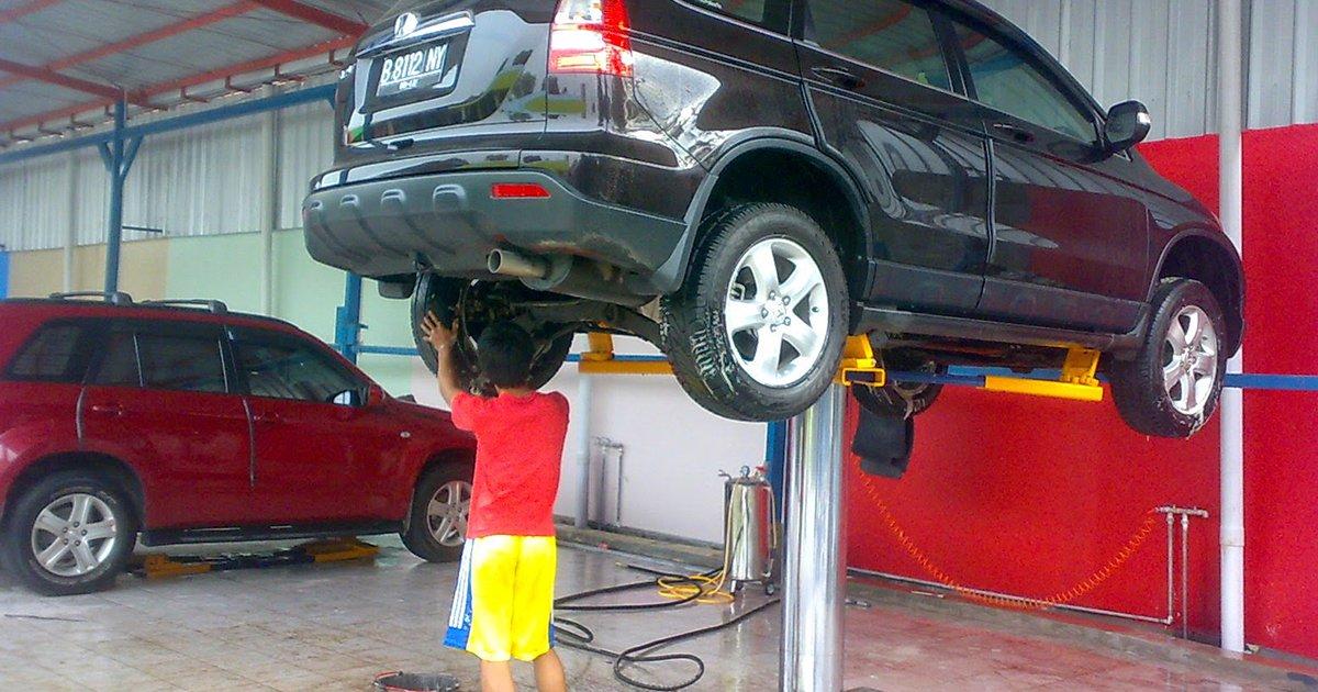 cuci mobil perawatan body mobil yang mudah dilakukan 6 Langkah Perawatan Body Mobil Yang Mudah Dilakukan cuci mobil 1