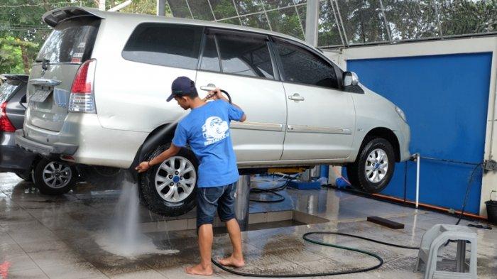 cuci mobil cara coating mobil sendiri Bagaimana Cara Coating Mobil Sendiri? Apakah Hasilnya Sama dengan Salon Mobil? cuci mobil