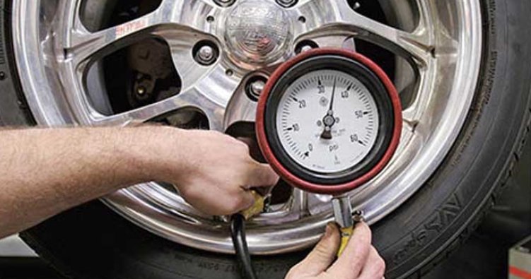 tekanan udara stabil ara merawat ban mobil agar awet Tak Perlu Mahal, Begini Cara Merawat Ban Mobil Agar Awet Digunakan tekanan udara stabil