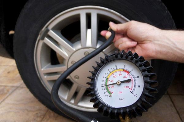 Ban Anti Meledak isi ban mobil dengan nitrogen atau angin biasa Bingung Isi Ban Mobil dengan Nitrogen atau Angin Biasa? Ban Anti Meledak