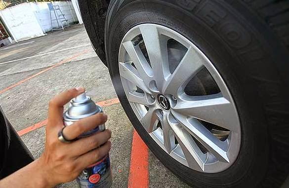 Cairan Pembersih Velg tips merawat velg mobil 6 Tips Merawat Velg Mobil dan Penjelasannya yang Penting Diketahui Cairan Pembersih Velg