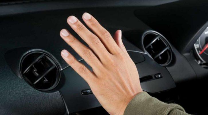 Merawat AC Mobil tips merawat interior mobil 4 Tips Merawat Interior Mobil Paling Penting Agar Tidak Mudah Rusak Merawat AC Mobil 726x400