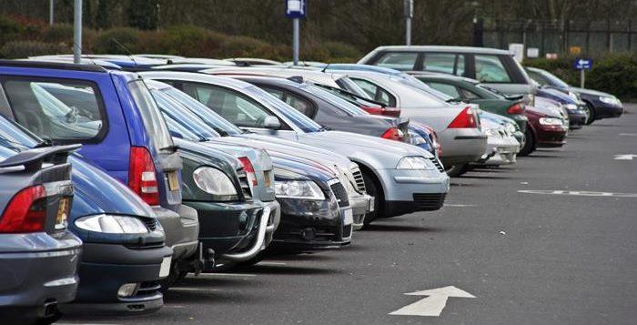 Parkir yang tepat cara merawat pintu mobil yang benar 7 Cara Merawat Pintu Mobil yang Benar dan Paling Efektif bg  Blog bg