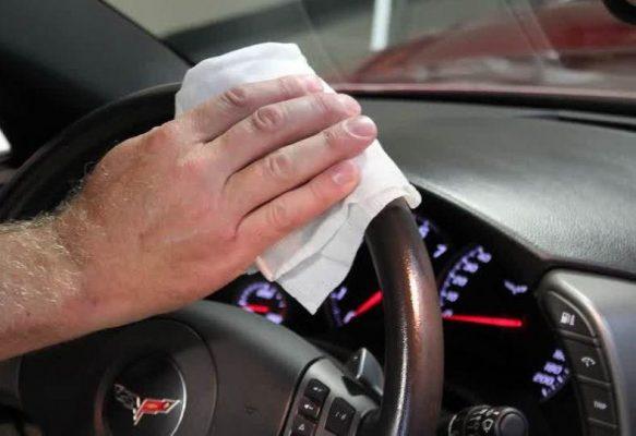 Cleaner untuk kemudi mobil cara merawat pintu mobil yang benar 5 Cara Merawat Kemudi Mobil Agar Berfungsi dengan Baik dan Awet vb 583x400